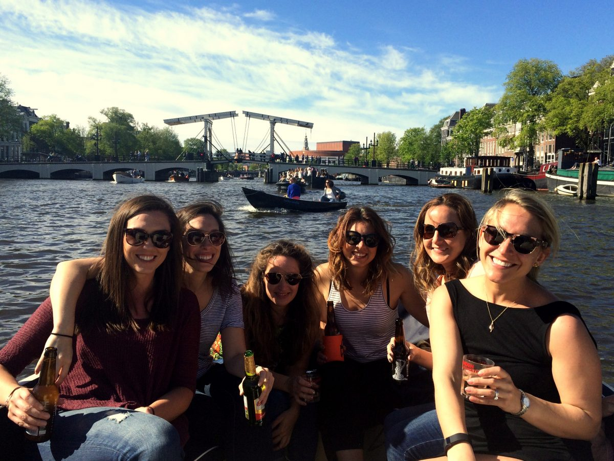 10 THINGS EVERY AMSTERDAMMER NEEDS - a boat