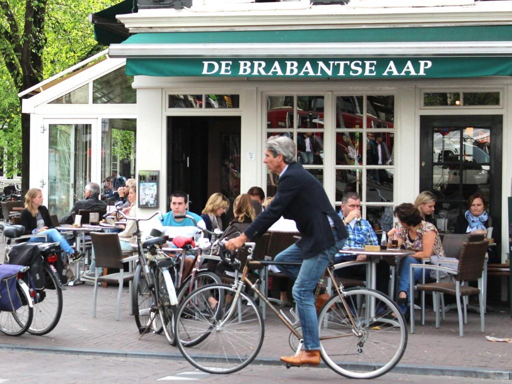 De Brabantse Aap, specialty Belgian beer cafe in Amsterdam