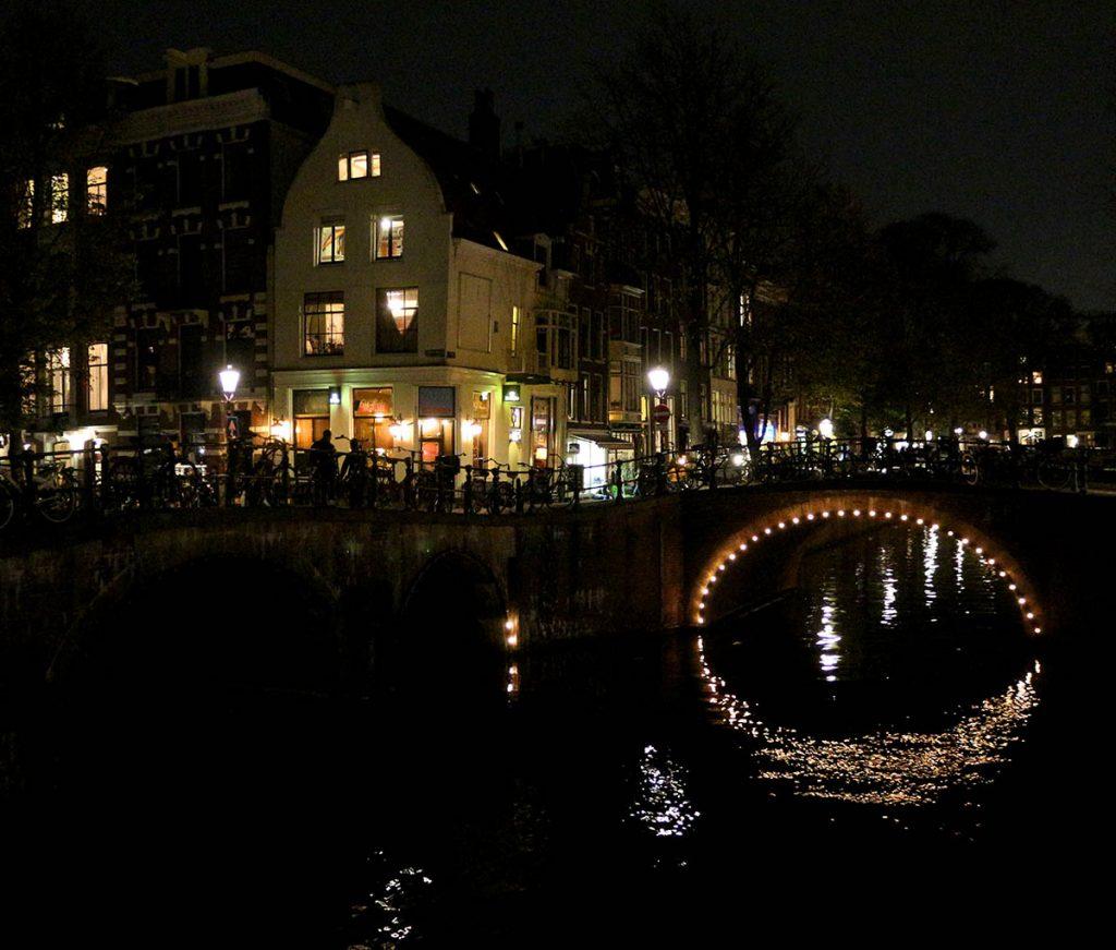 TOP 20 COZYBARS IN AMSTERDAM - cafe brandon