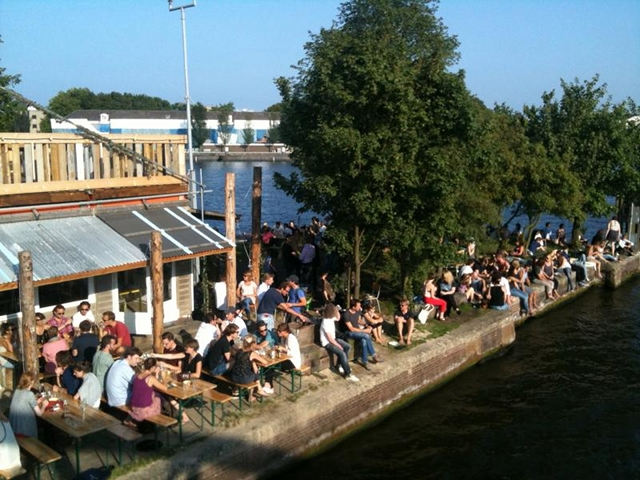 BEST WATERSIDE TERRACES IN AMSTERDAM: sip a drink canalside