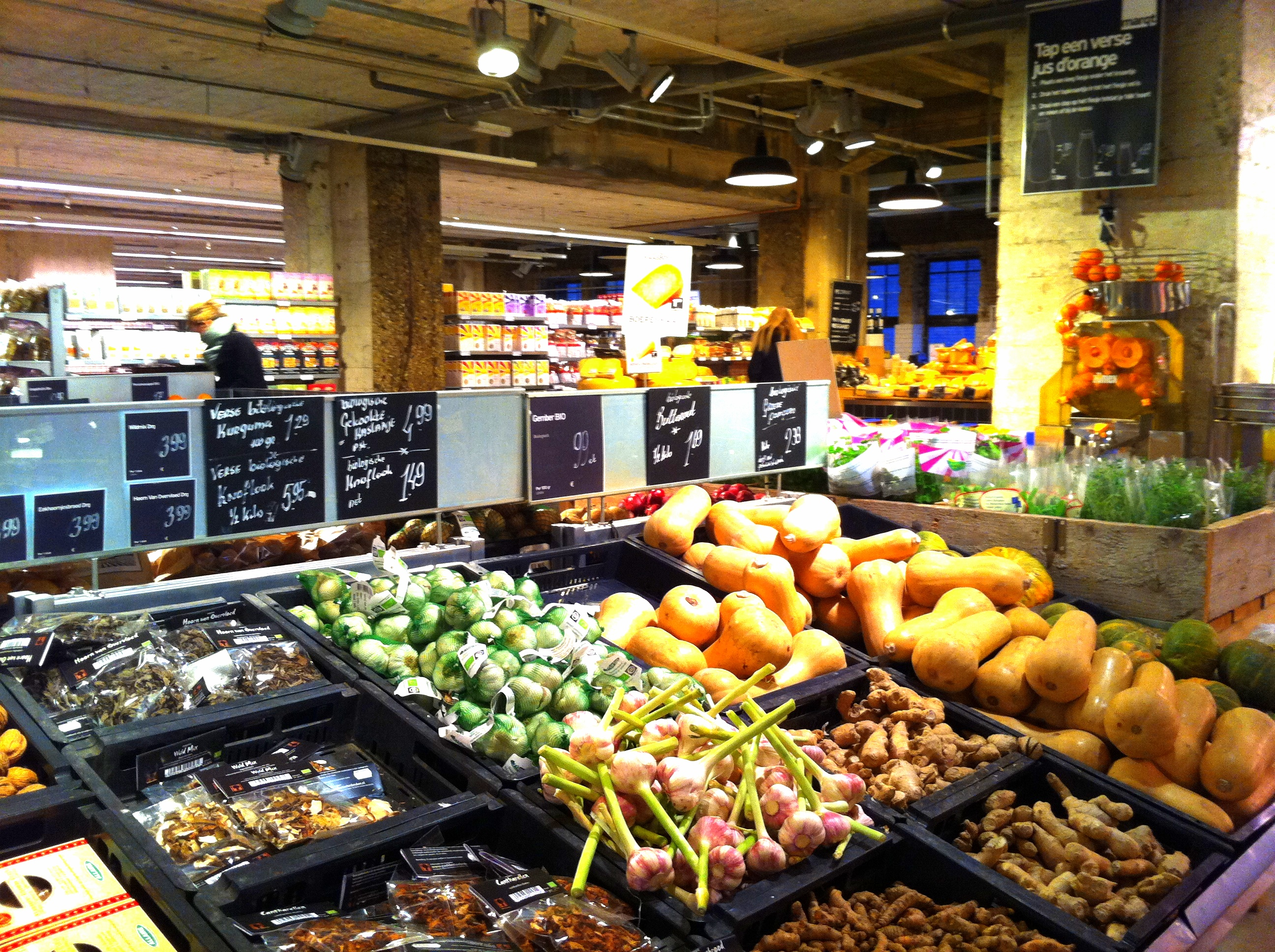 ORGANIC GROCERY SHOPPING IN AMSTERDAM