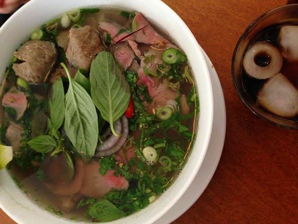 When the weather is cold and damp, nothing sounds better than a nice bowl of hot soup. Here are a few of our favorite soup spots in Amsterdam. Pho 91 awesomeamsterdam.com
