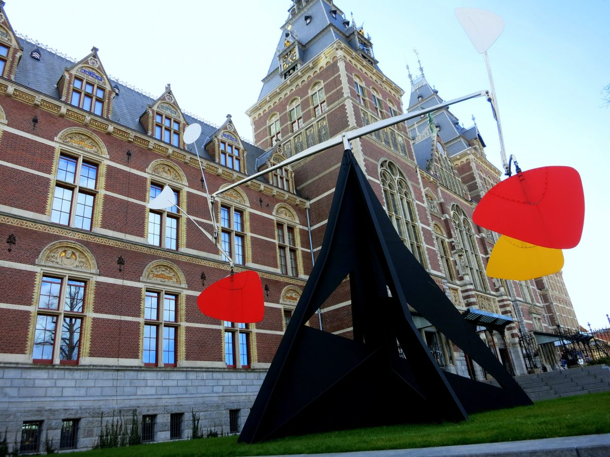 RIJKSMUSEUM AMSTERDAM • NATIONAL MUSEUM OF THE NETHERLANDS - Calder