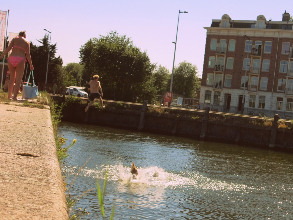 Places to go swimming in Amsterdam: stenen hoofd