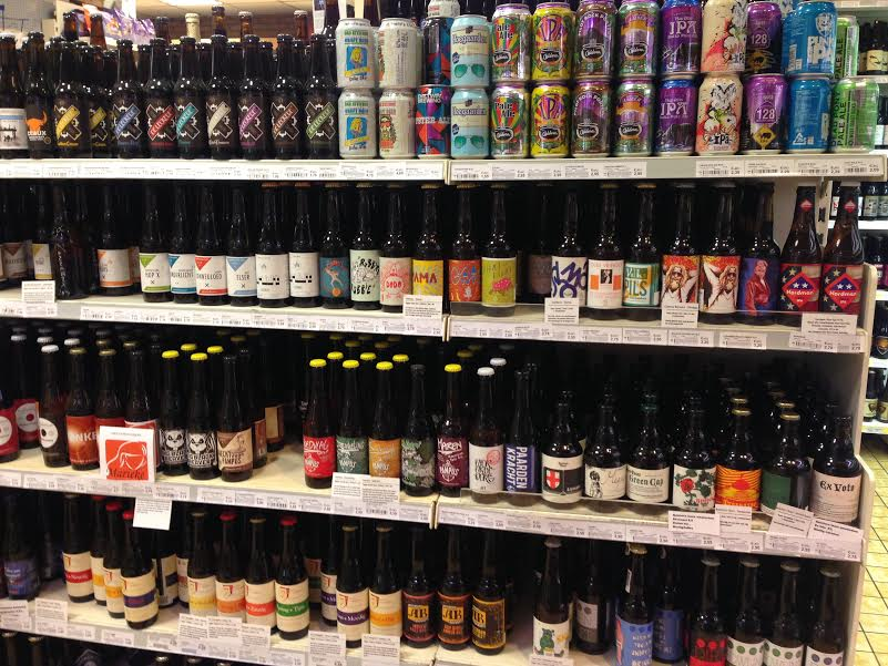 Sterk avondwinkel in Amsterdam has a terrific beer selection