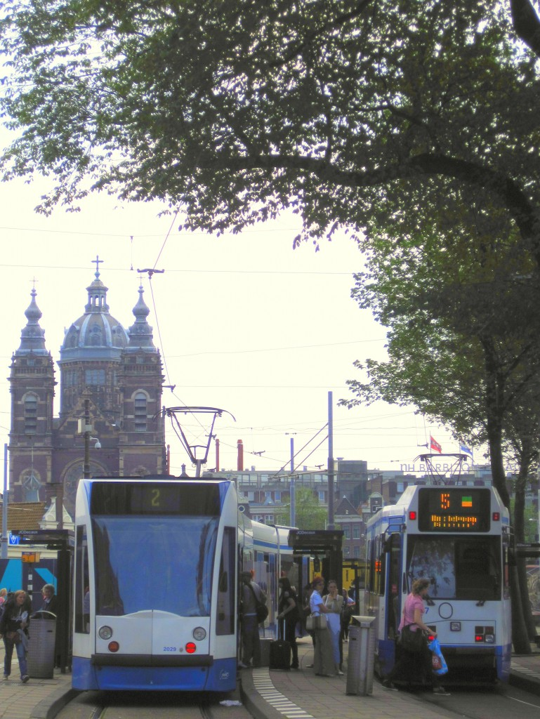 Here are some tips for the best way to see and experience Amsterdam whether you get around using bicycle, public transportation or on foot.