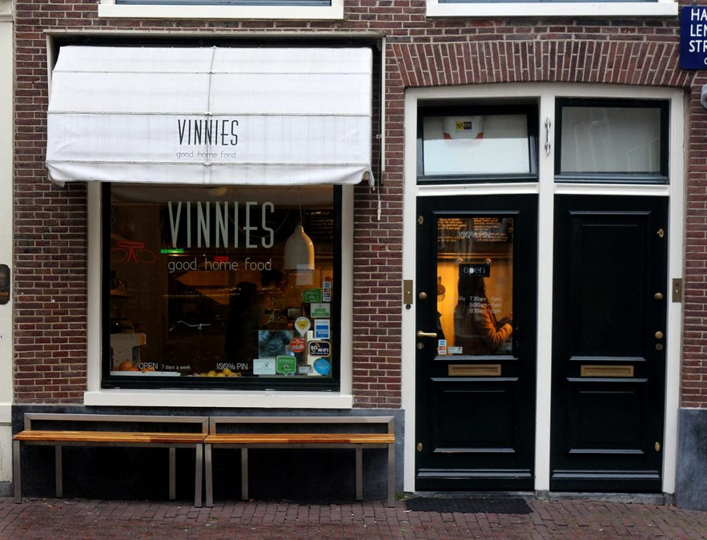 NEIGHBORHOOD GUIDE • AMSTERDAM HAARLEMMERBUURT- VINNIES DELI AMSTERDAM