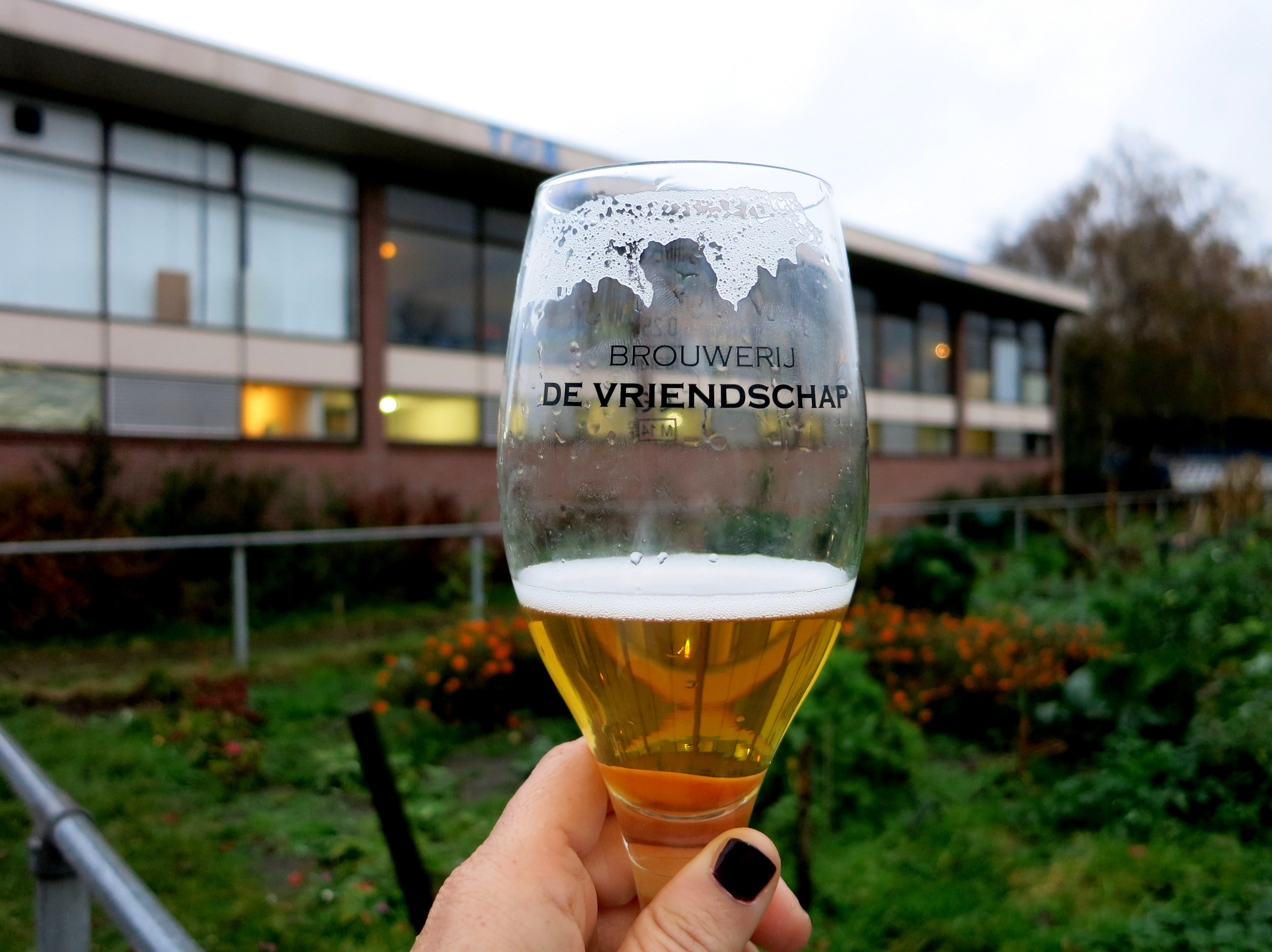 Thirsty for craft beer in Amsterdam? Here are 10 of our favorite local Amsterdam microbreweries! Brouwerij de Vriendschap awesomeamsterdam.com