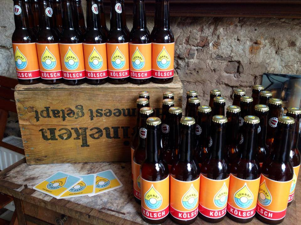Thirsty for craft beer in Amsterdam? Here are 10 of our favorite local Amsterdam microbreweries! Brouwerij de Prael awesomeamsterdam.com