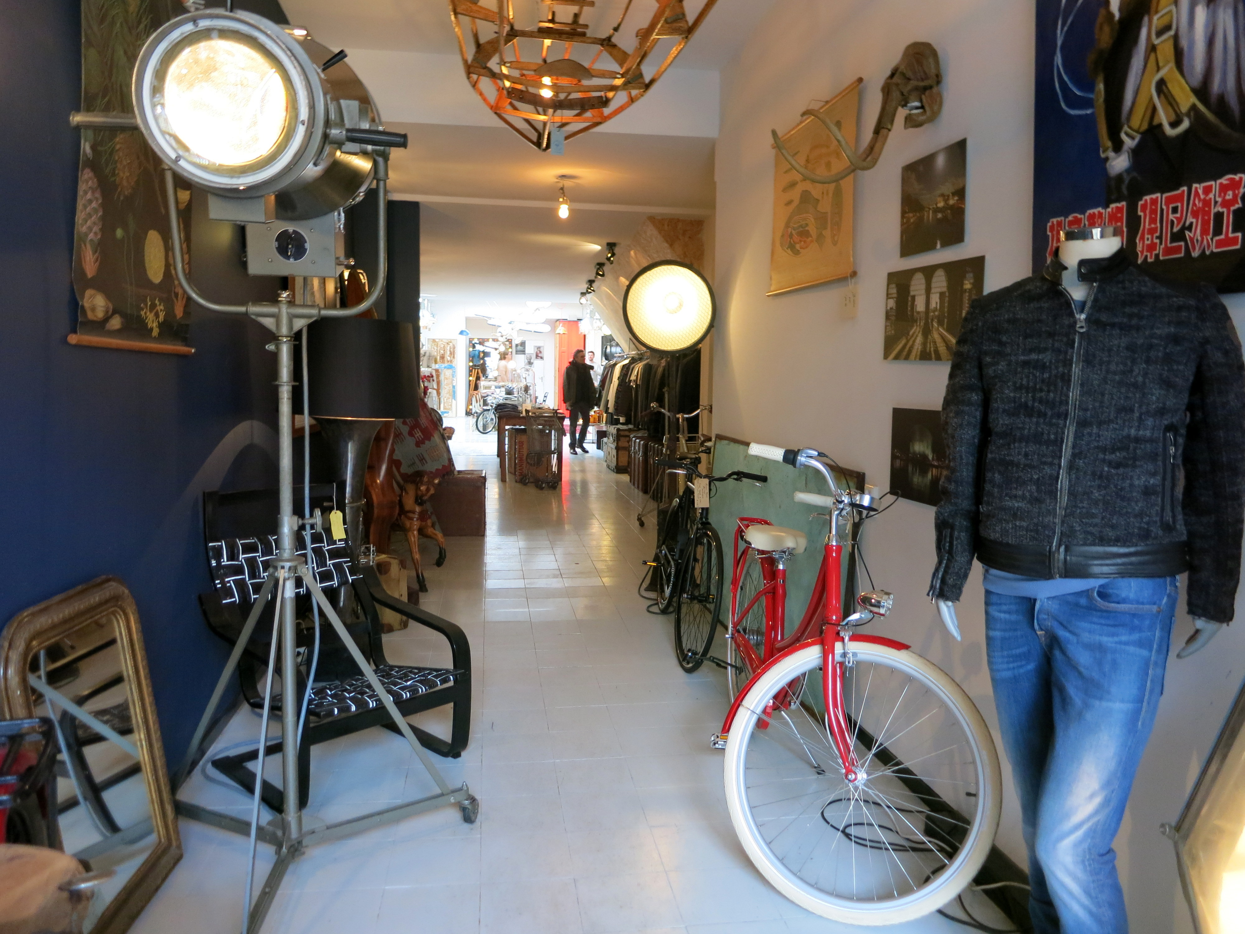 A new shop and gallery is open on Elandsgracht. Come by and check out the cool clothing and funky artifacts for your home at E Street 37. awesomeamsterdam.com