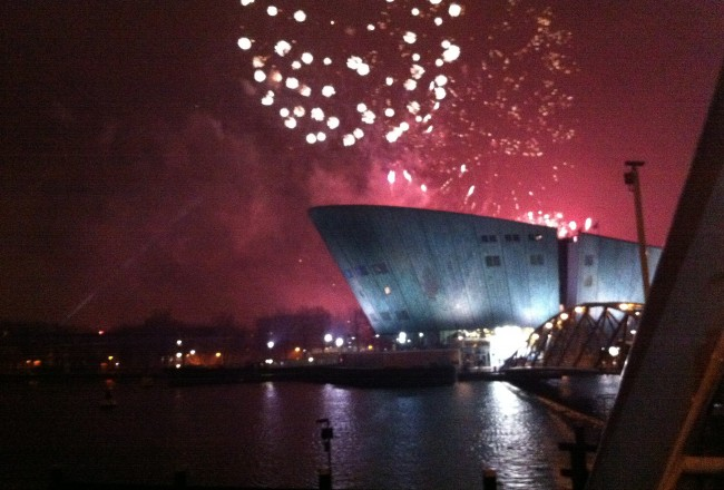 OUD & NIEUW AMSTERDAM NEW YEARS EVE FIREWORKS