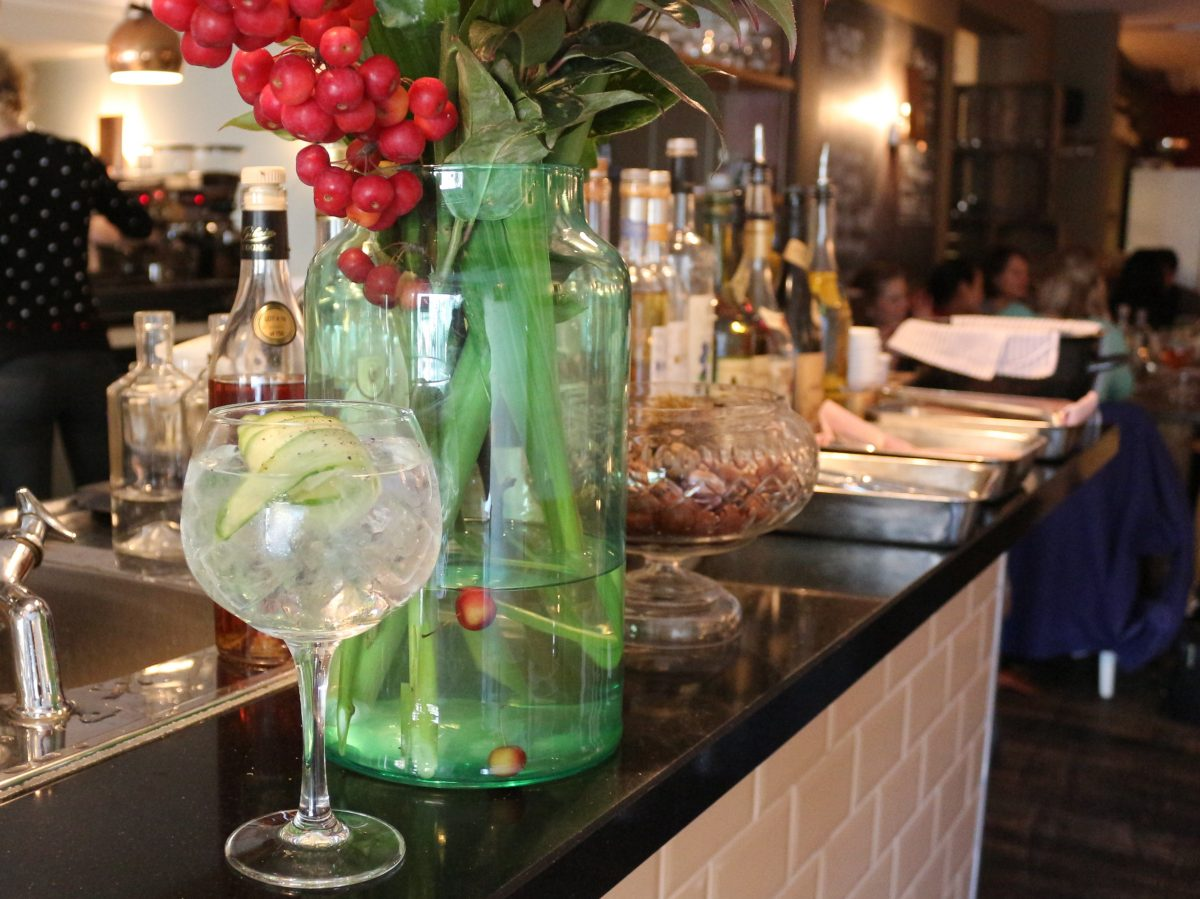 The G&T trend has taken over Amsterdam. Here are some bars and restaurants where you can find our favorite gin and tonics in Amsterdam. Razmataz awesomeamsterdam.com