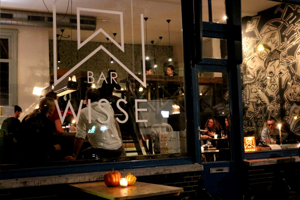 A cute neighborhood bar with modern yet cozy design, Bar Wisse is open day and night for coffee, beer, wine and terrific cocktails in Amsterdam Oost.