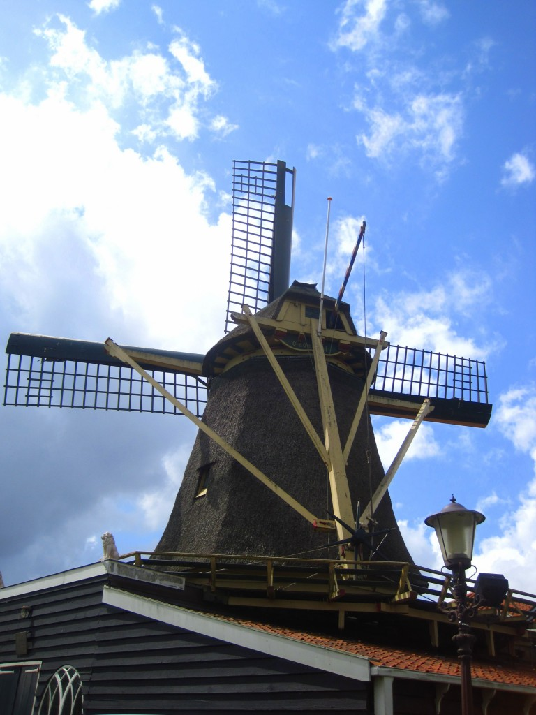 "De Krijtmolen d'Admiraal is a windmill in Amsterdam Noord. ""Krijtmolen"" means chalk mill and this windmill in Amsterdam Noord was used for grinding stones like chalk"