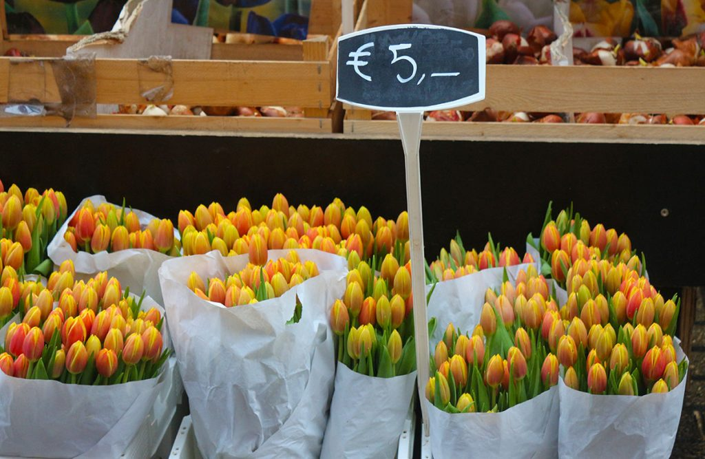 AMSTERDAM'S WEEKLY STREET MARKETS : bloemenmarkt