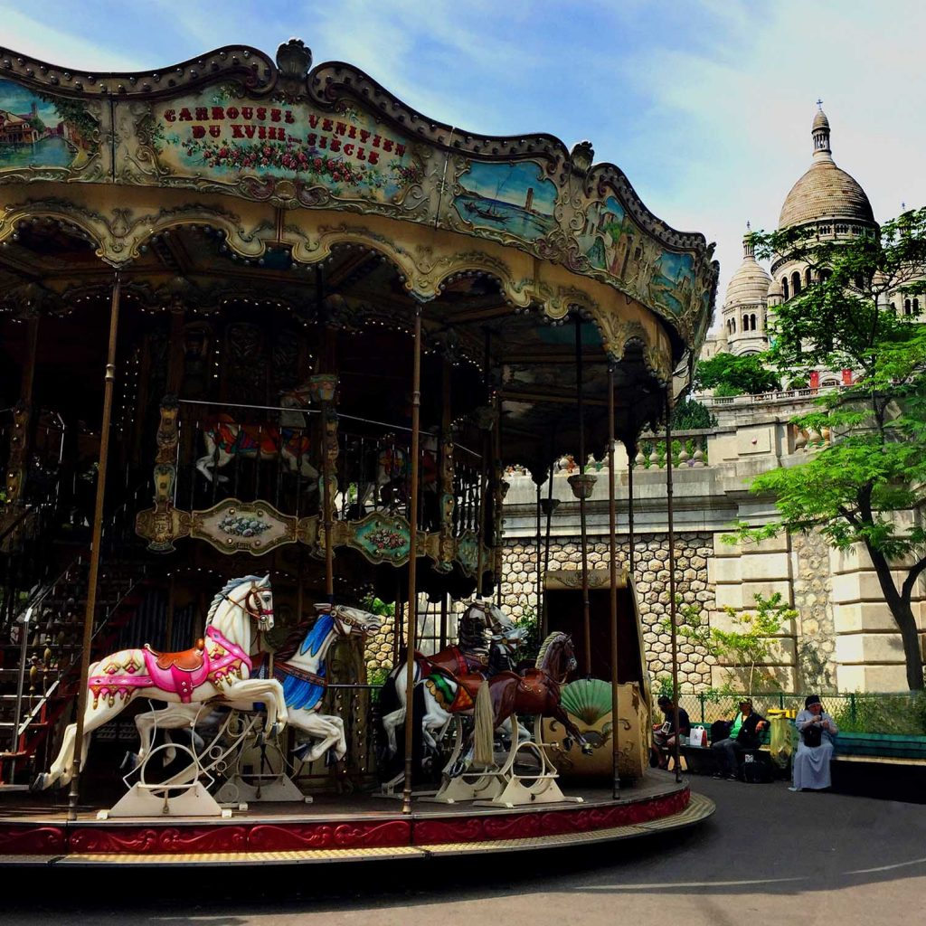 Carousel Paris - Ooh la la! Let's go to Paris for the weekend! Just a quick trip from Amsterdam on the train, Paris a perfect three or four day holiday.