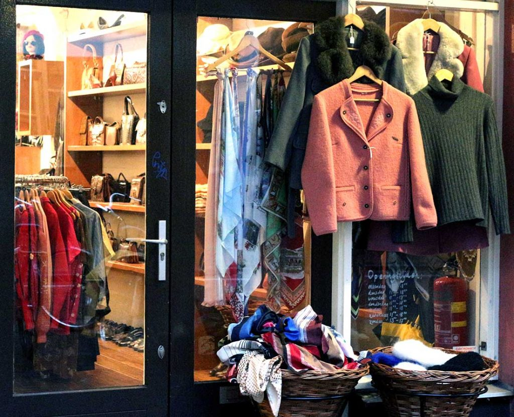 BEST VINTAGE CLOTHING SHOPPING IN AMSTERDAM - Bis Vintage