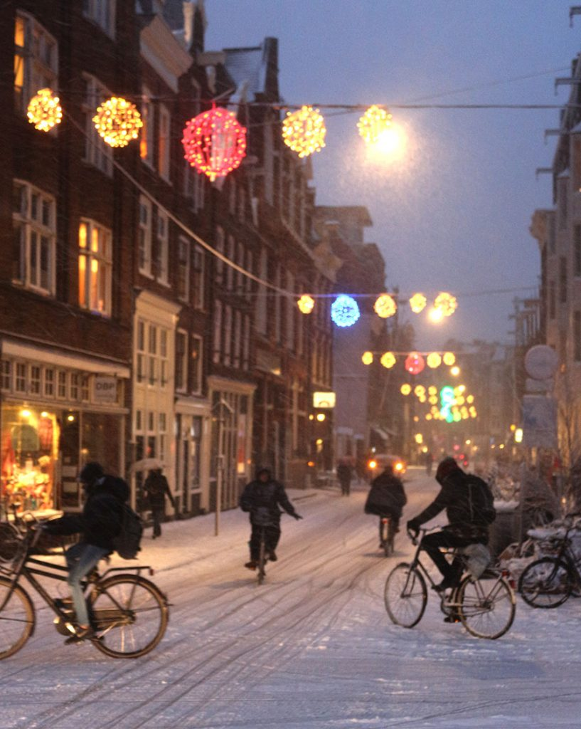 AMSTERDAM HOLIDAY DECORATIONS SPARKLY STREET LIGHTS, WREATHS, TREES, BOWS & BRANCHES