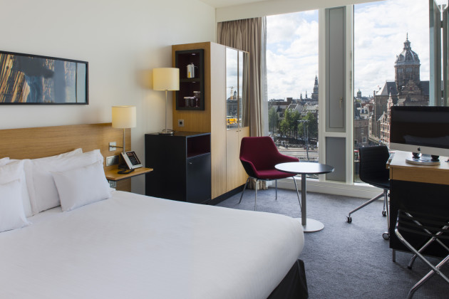 Hilton DoubleTree Amsterdam - The DoubleTree has a prime location next to Centraal Station and within walking distance to many of Amsterdam's famous sights. And they have an amazing rooftop SkyLounge too!