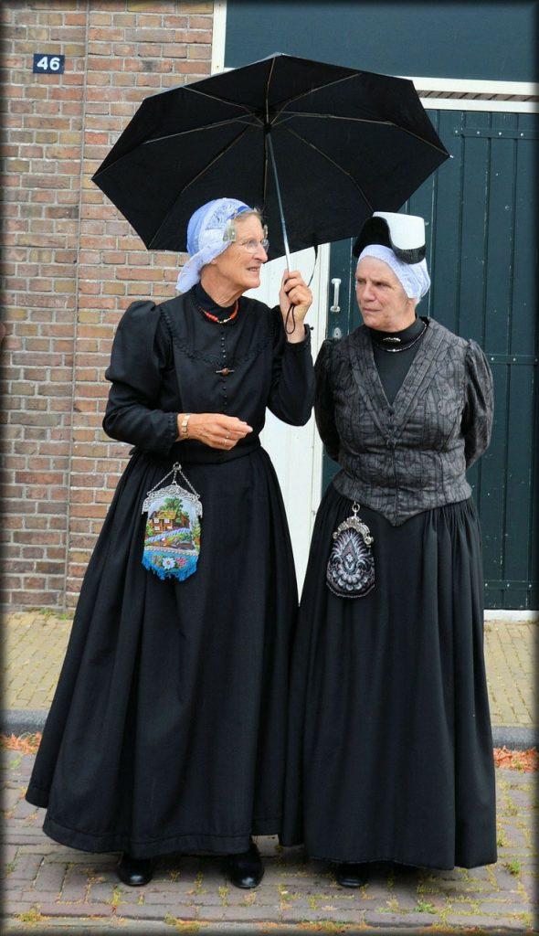 10 Day Trips from Amsterdam in Winter :: Volendam