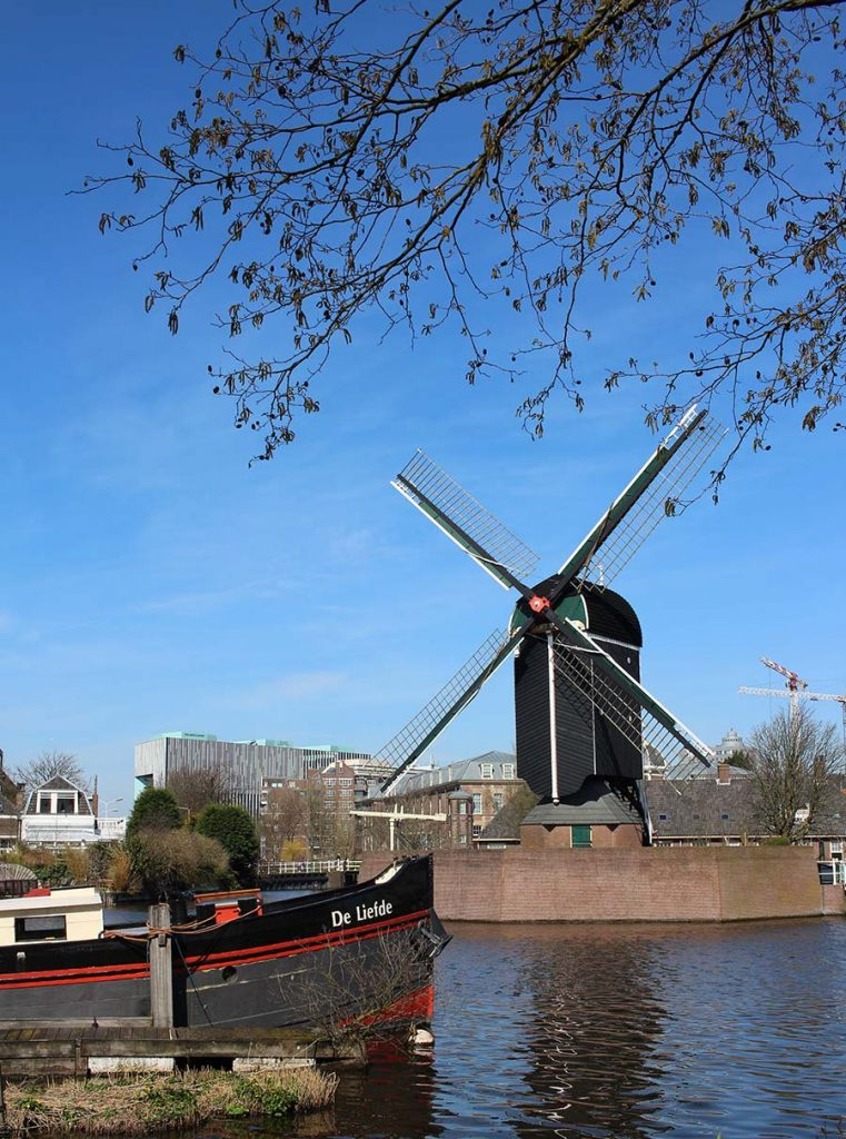 10 Day Trips from Amsterdam in Fall - fun places to go in Netherlands in Autumn: Leiden